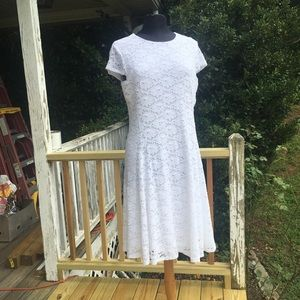 Alfaii lace dress 👗